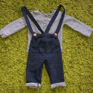 Carters 2 piece overalls set